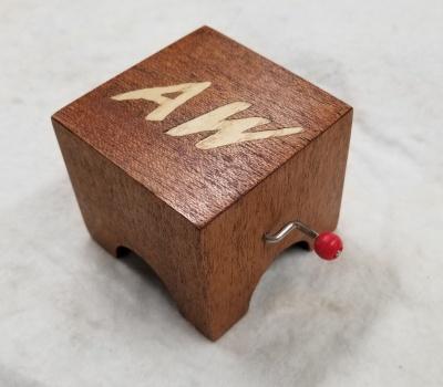 Crank music box